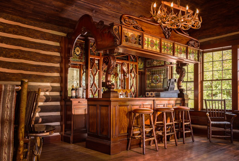 nuvo-magazine-2013-08-broadmoor-main_lodge_bar-816x548